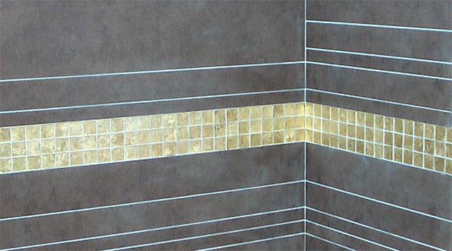 бордюр в ванной комнате из мозаики