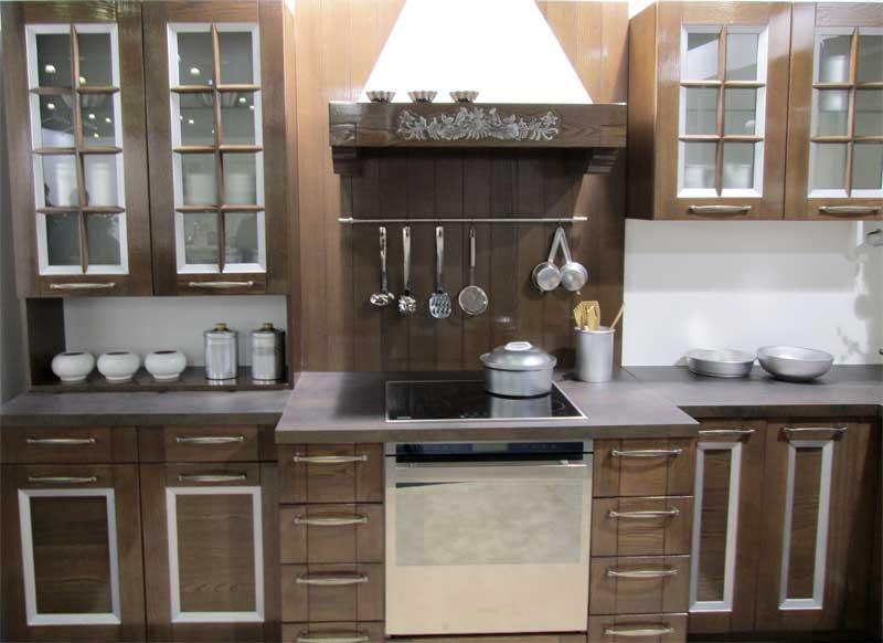 Раздвигаем пространство маленькой кухни