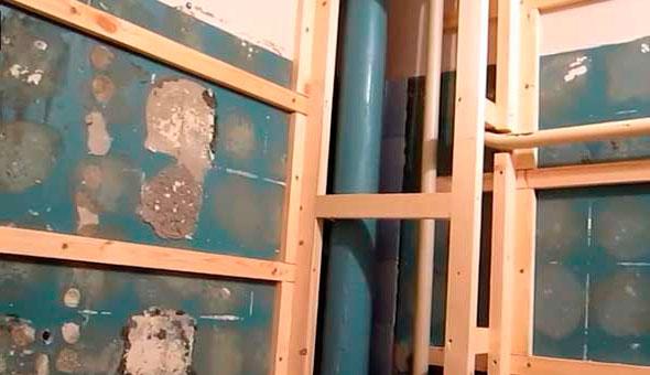 фото обрешетки стен санузла под пластиковые панели