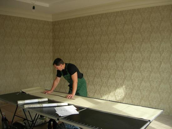 белый стеклохолст на потолке