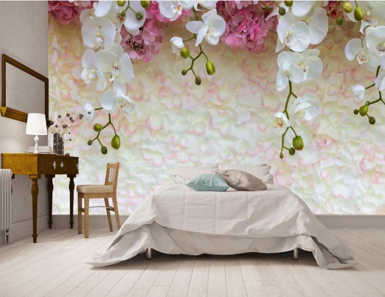 фотообои цветы в изголовье кровати