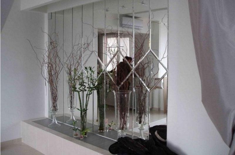 зеркальное панно в прихожей