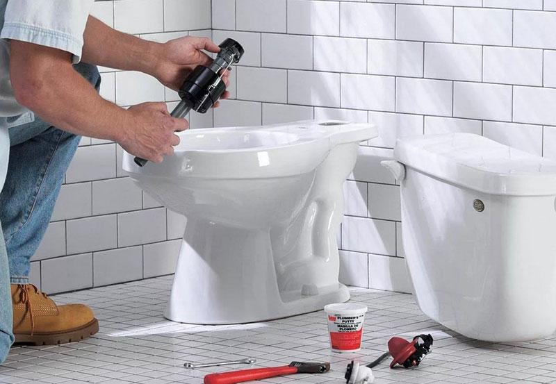 монтаж инсталляции в туалете
