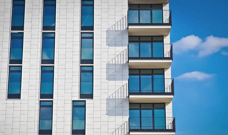 отделка дома фасадными фиброцементные панели