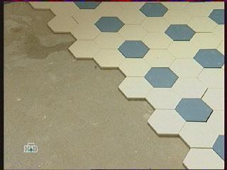 метлахская плитка, межплиточные швы, пол на кухне