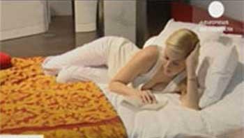 оформление интерьера спальни, кровать в спальне