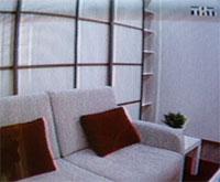 Гостиная стиль минимализм, стеклянные двери шкафов
