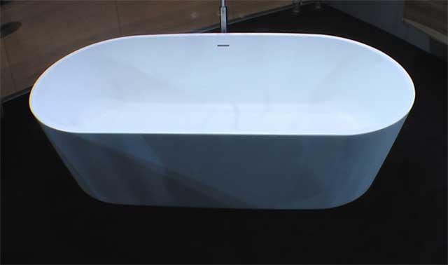 Белая ванная для элитных ванных комнат