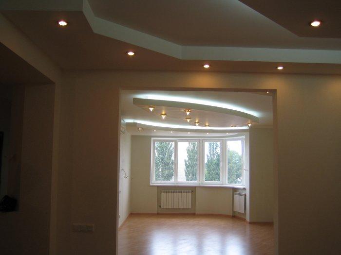потолок из гипсокартона со светильниками