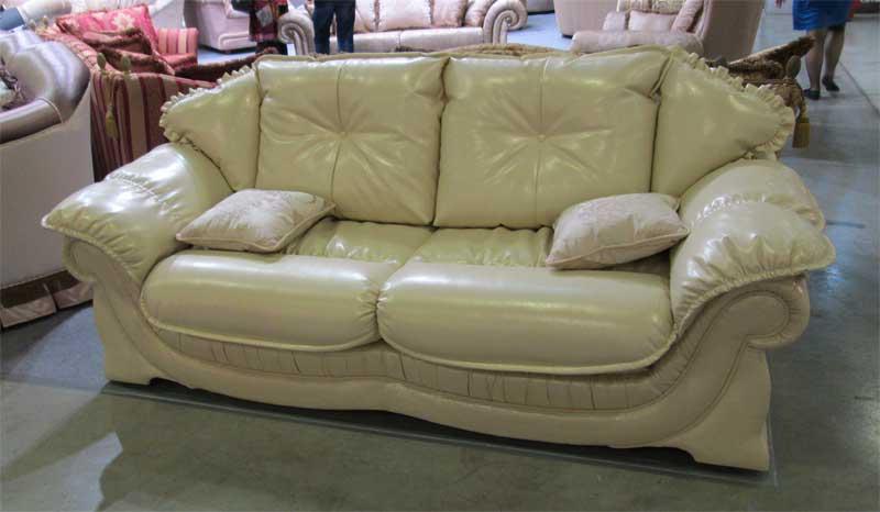 Фото белого кожаного дивана