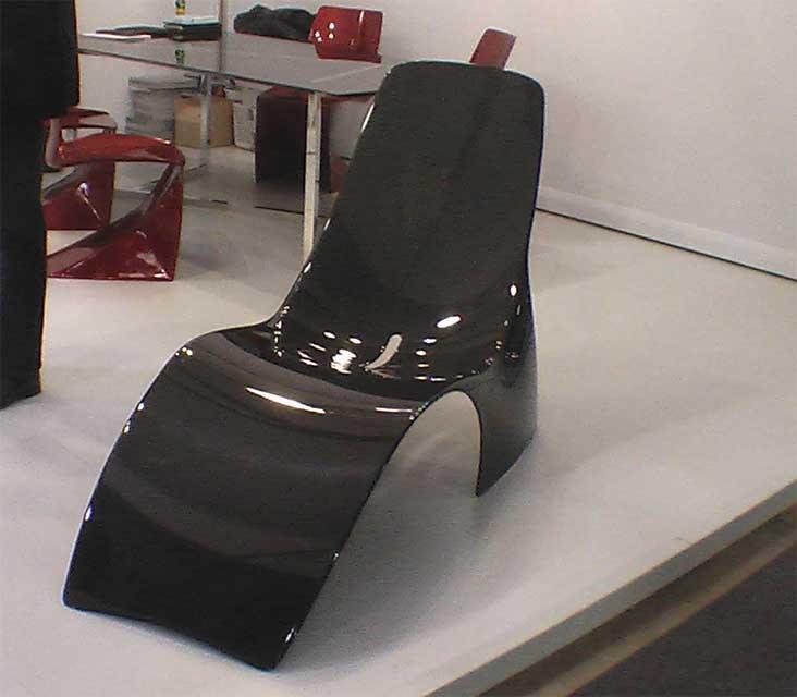 Фото черного кресла