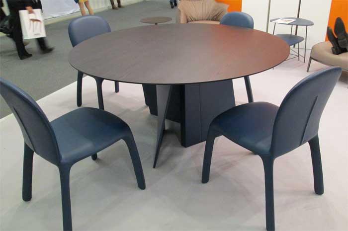 Фото черного кругого стола