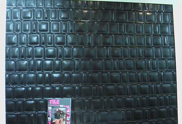 вид черной плитки