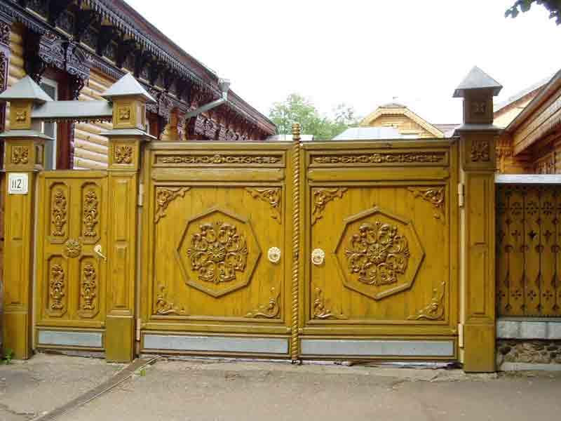 Фотография забора с воротами