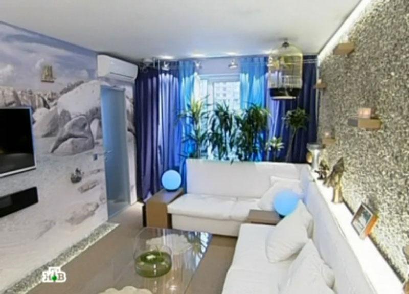 Фото дизайна гостиной с видом на море