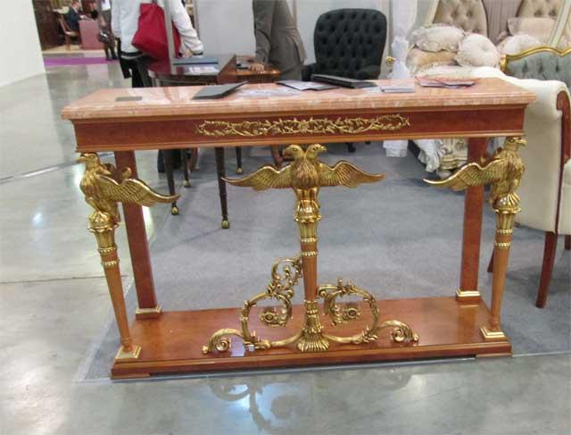 Фото красивого письменного стола