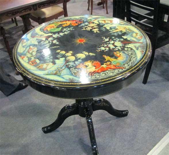 Фото стола расписанного росписью палеха