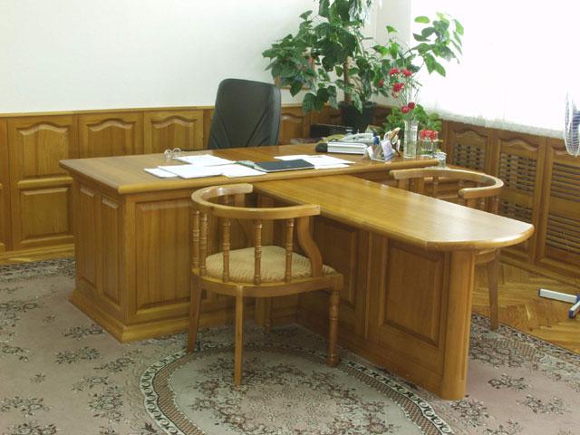 кабинет руководителя со столом