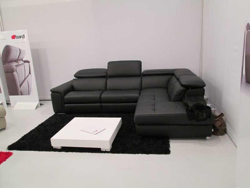 Фото углового кожаного дивана