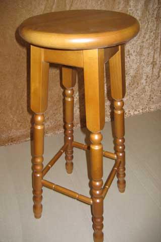 деревянный высокий табурет