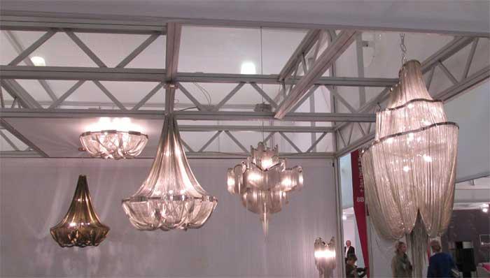 Коллекция люстр с подвесками из металлических цепочек