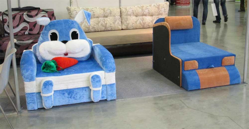 Кресло кровать в виде голубого зайчика