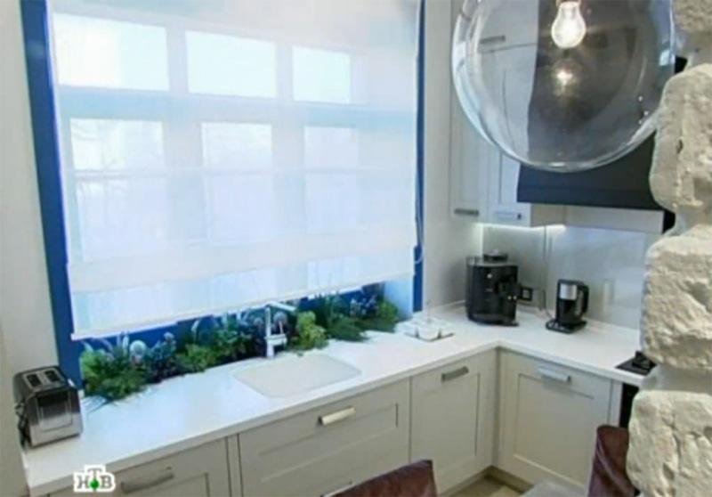 фото мойки под окном кухни, кухня с мойкой под окном, кухня квартирного вопроса