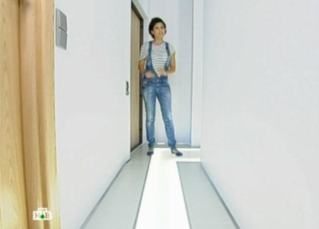 стеклянный пол с подсветкой, стекло для пола, квартирный вопрос фото гостиной