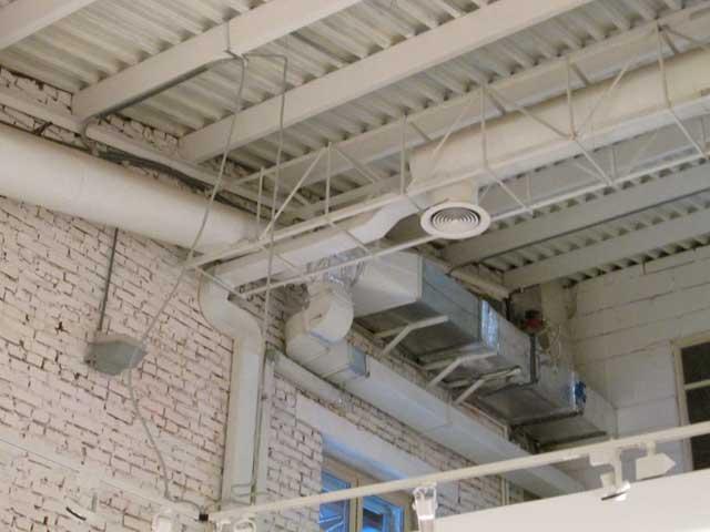 фото воздуховода для вентиляции промышленного здания