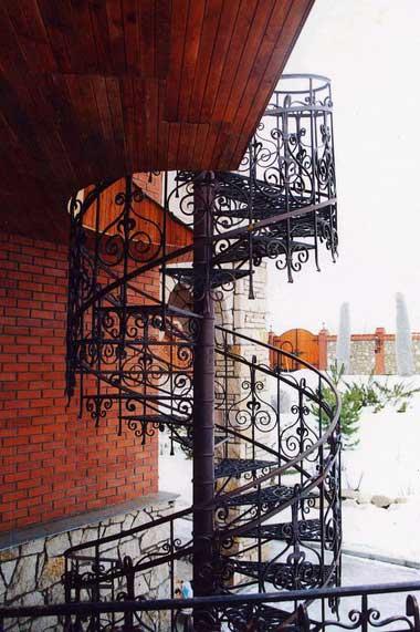 фото кованых перил лестницы