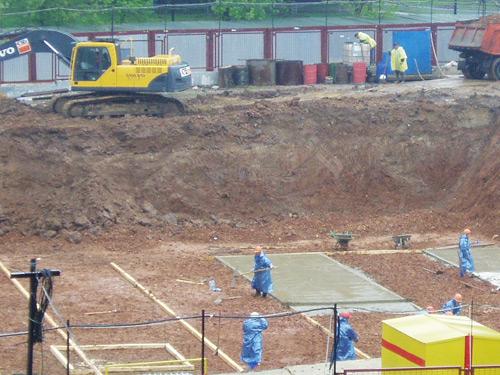 Разработка мерзлого грунта вручную и экскаваторами