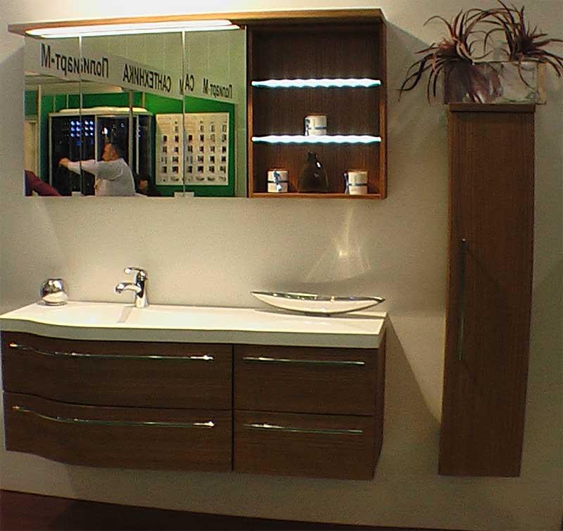 фото подвесных пеналов в ванную комнату