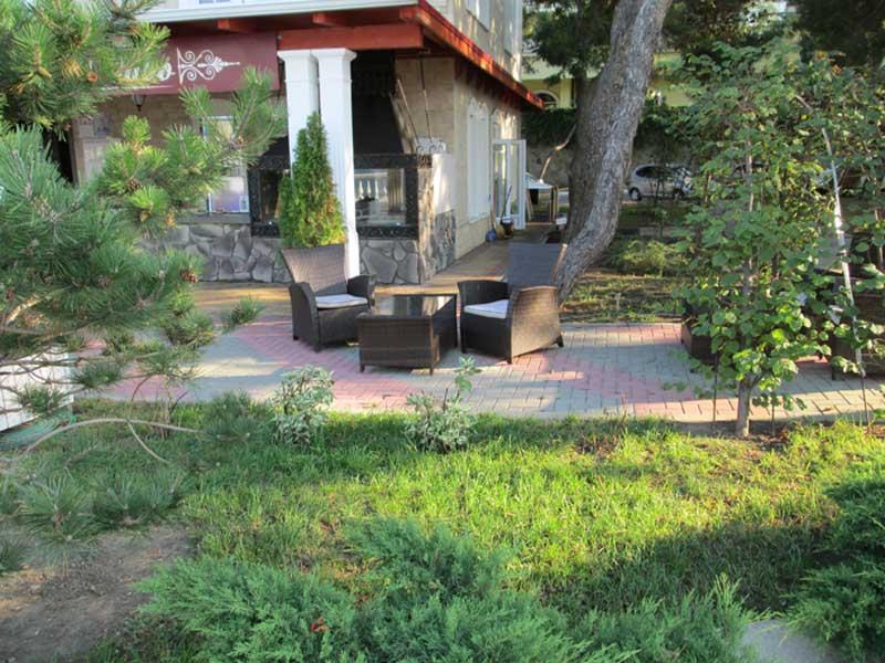 посадка деревьев и кустарников, устройство клумб