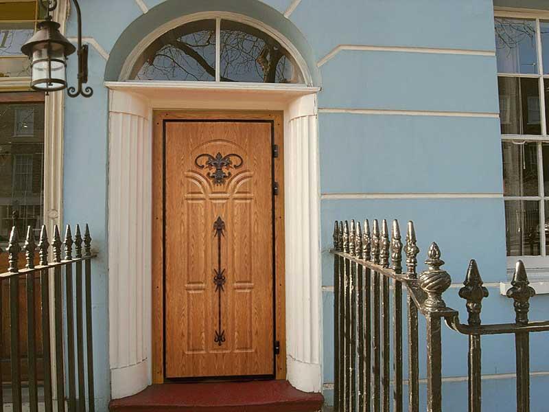 Фото готовой металлической двери