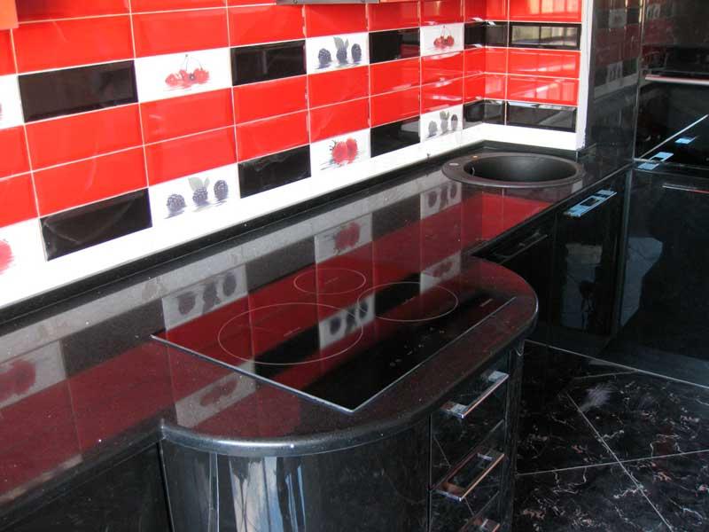 Фото вида столешницы для кухни из искусственного камня