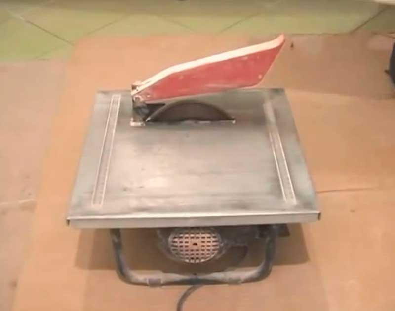 фото электрического плиткореза для резки керамической плитки