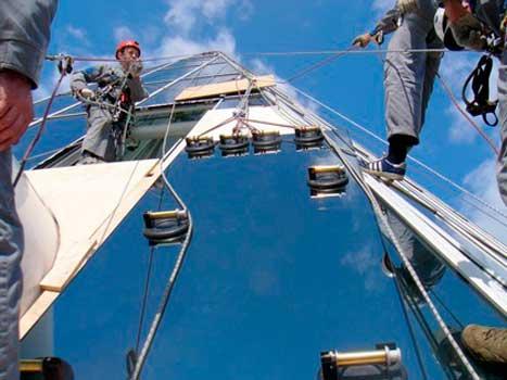 фото работы промальпинистов на высоте