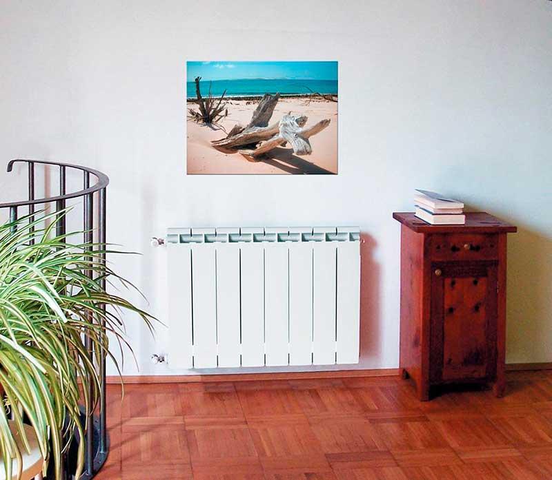 фото радиатора отопления в комнате