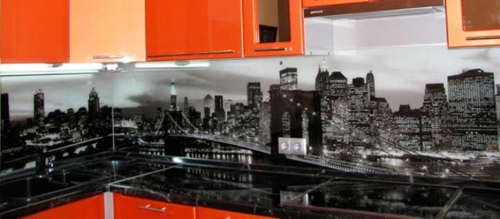 фото стеклянного фартука для кухни скинали