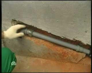 монтаж канализационного слива на кухне фото