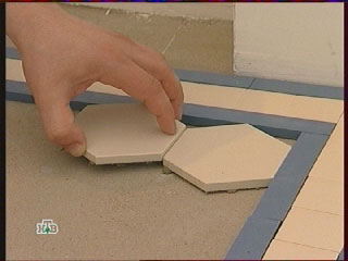 Метлахская плитка, разметка, пол на кухне