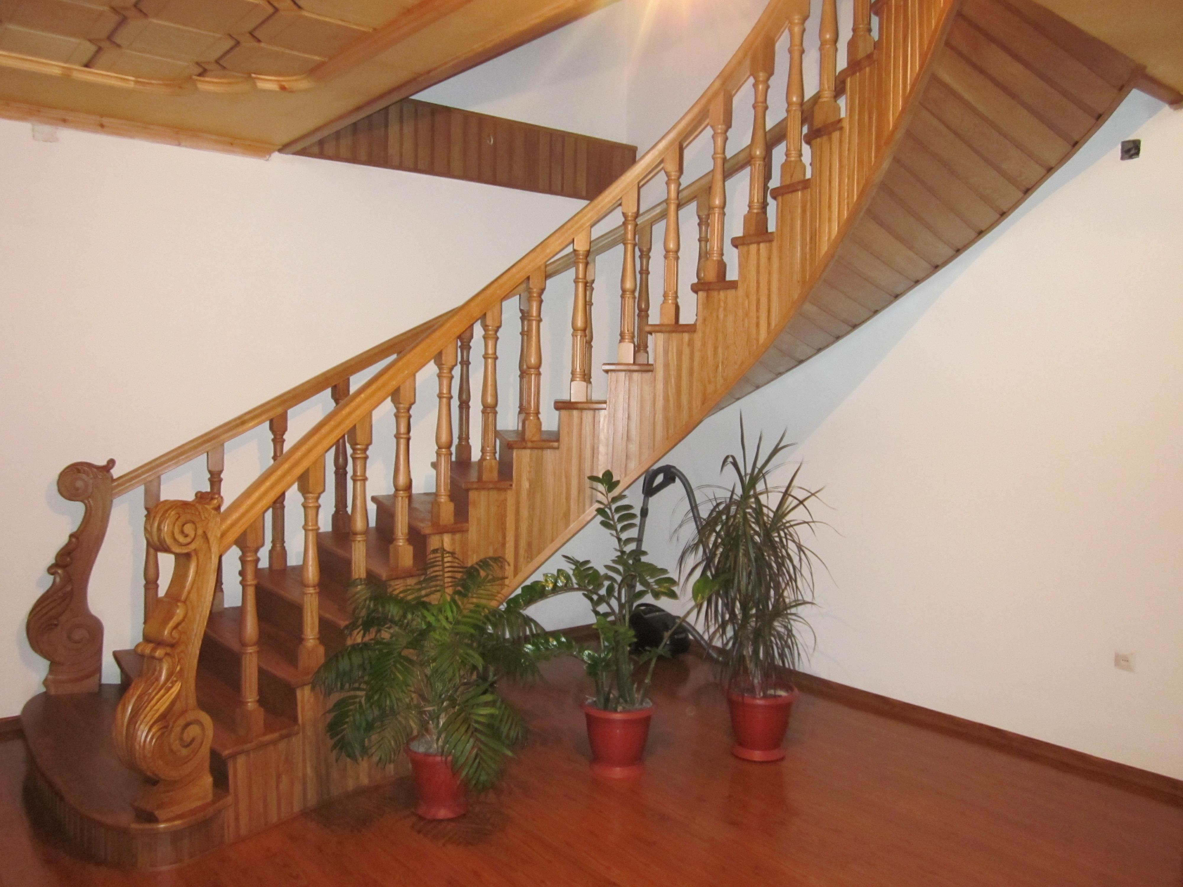 Деревянные лестницы на заказ в одинцово, москве и московской.