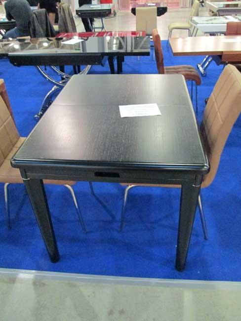 Фото черного стола