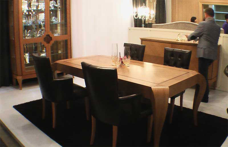 Фото деревянного стола для столовой