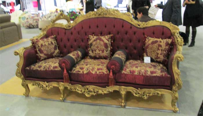 Фото дивана на красивых ножках