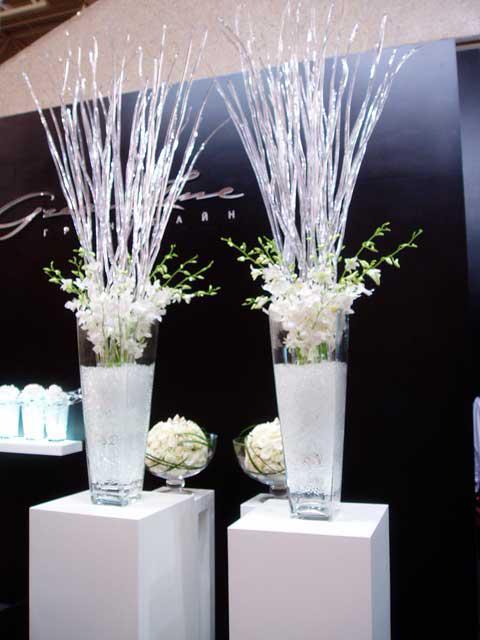 белая композиция ваз