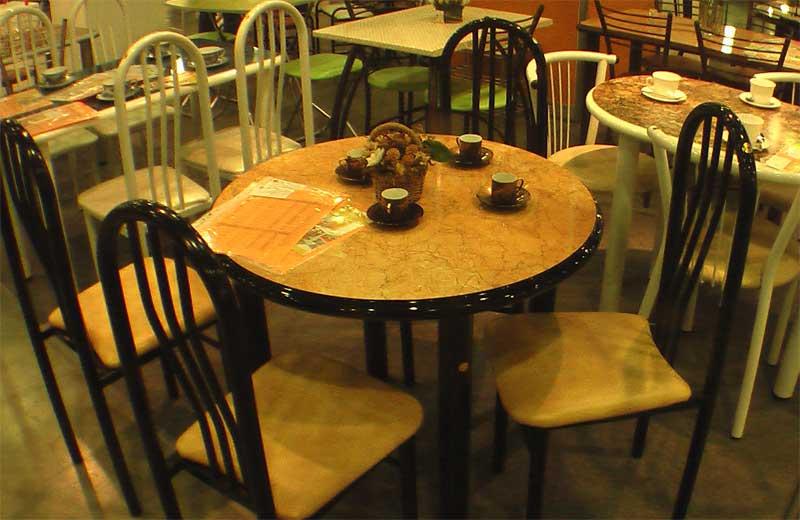 Фото круглого стола и стульев