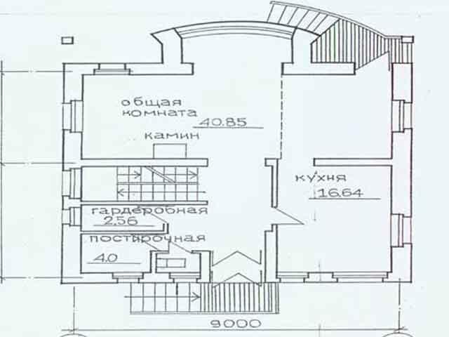 первый этаж дома с мансардой