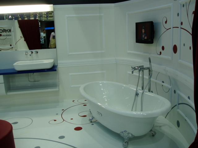 Интерьер ванной комнаты - игривый рисунок завитками