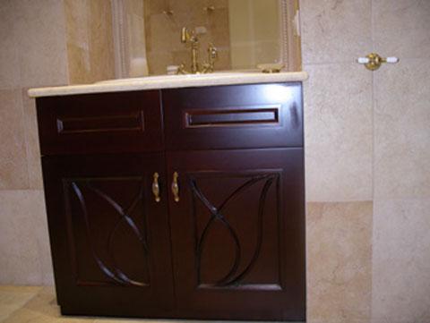 Использование шкафов в ванной комнате